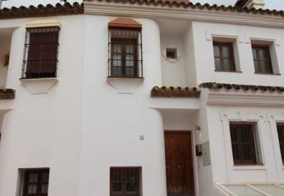 Casa adosada en Urbanización Loma del Rey-Alcaidesa