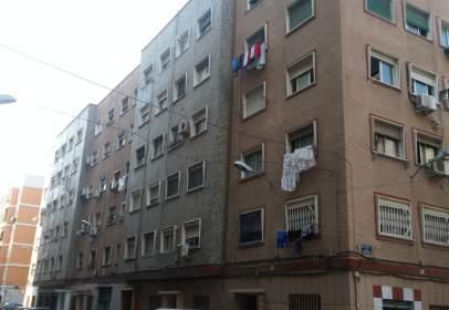 Pis a calle San Juan de La Peña