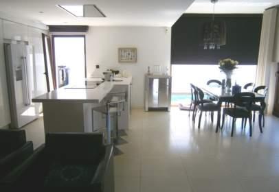 Casa unifamiliar en Vista de los Ángeles-Rumina