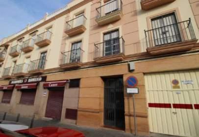Flat in calle de Isaac Peral, near Calle de Santo Domingo