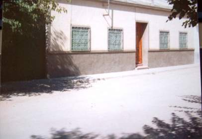 Casa rústica en calle Victoria Izquierdo