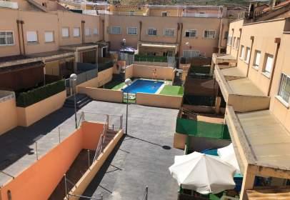 Terraced house in Avenida de las Arreñas, nº 20