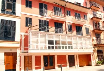 Edificio en calle La Llotja, nº 8