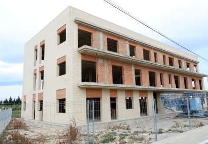 Building in calle Uniò