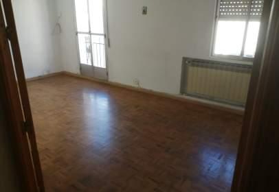 Flat in calle de Oudrid, 1