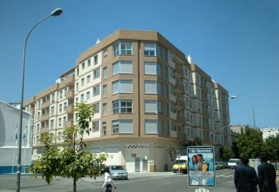 Local comercial en Avinguda de València