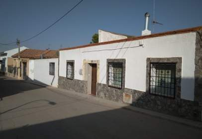 Terraced house in Villatobas