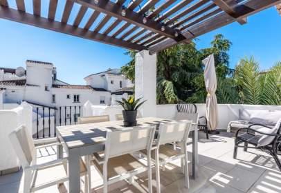 Ático en Urbanización los Naranjos de Marbella