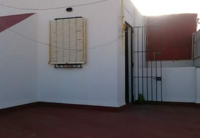 Casa adosada en calle Zaragoza