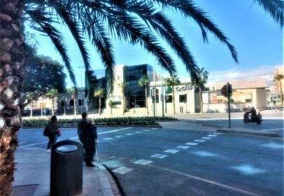 Local comercial en Avenida de la Estación