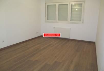 Duplex in Residencia-Abella