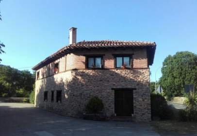House in calle de la Iglesia, nº 2