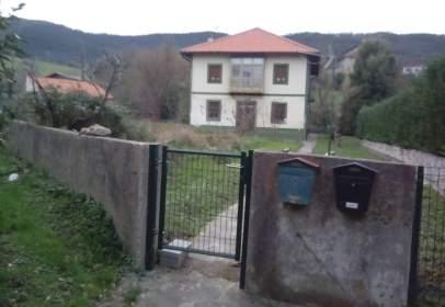 Casa a calle de Basigoko Bide Nagusia, prop de Barrio de Goitisolo