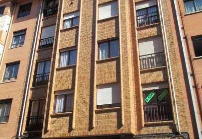 Apartamento en calle Favila