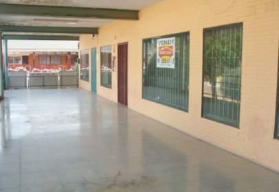 Local comercial a Urbanización los Arroyos, nº 1
