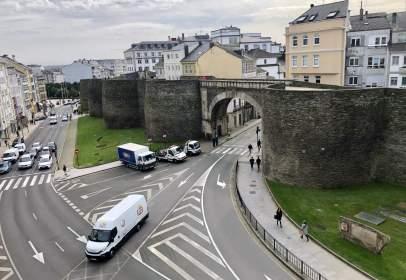 Dúplex a Avenida de La Coruña, prop de Ronda de la Muralla