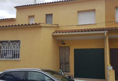 Terraced chalet in calle Sarajebo