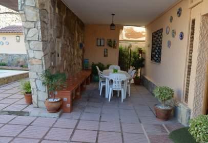 Casa en calle de Lope de Rueda, cerca de Calle del Escritor Enrique Castillo