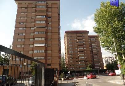 Flat in calle Arzobispo Morcillo