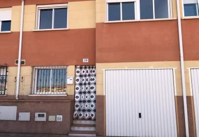 Casa adosada en calle Doctor Luis Maria Ruiz