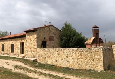 Casa unifamiliar a calle Carpio Merendero