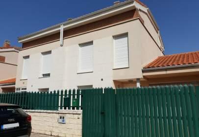 Casa aparellada a Quintanilla Vivar