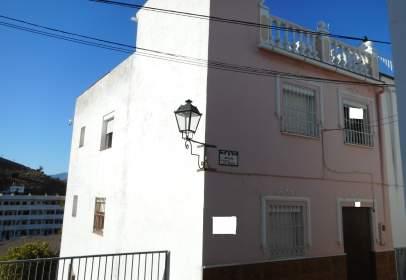 Casa en calle de la Puerta de la Villa