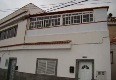 Piso en calle de los Rosales Bajo, nº 138