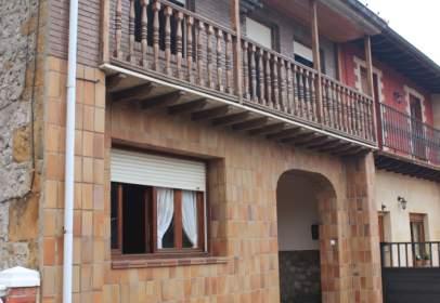 House in calle Juan Palencia
