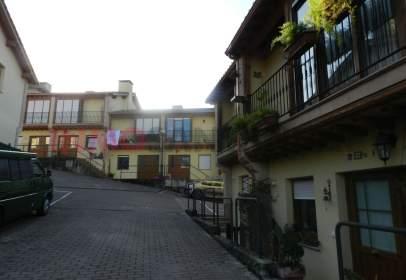 Casa adossada a calle Fuente del Corral