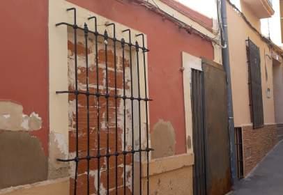 Casa aparellada a calle de la Cantarería