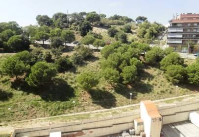 Dúplex a Via Europa, prop de Carrer de Marià Ribas