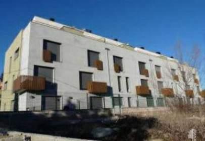 Pisos de 1, 2 y 3 dormitorios con 1 y 2 baños y garaje