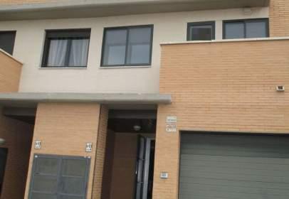 Casa pareada en calle Alemania, nº 11
