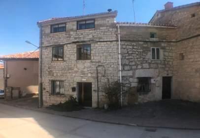 Terraced house in calle La Iglesia