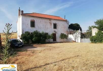 Casa pareada en Montiel