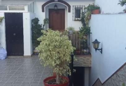 Casa pareada en calle La Vega