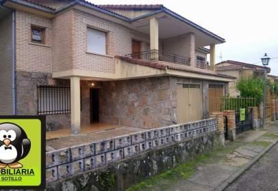 Casa aparellada a Urbanización Alegría, 18