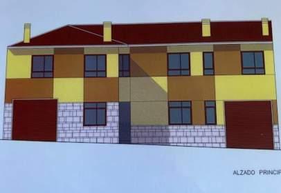 Casa adosada en calle de San Miguel