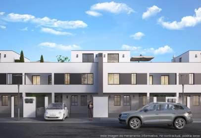 Casa pareada en calle de Menkar, 9001