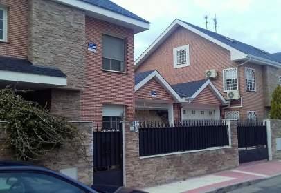 Casa adosada en Avenida de Intergolf