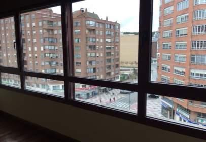 Duplex in Avenida de la Paz