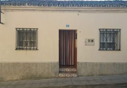 Casa aparellada a calle Reyes de Aragón, nº 5