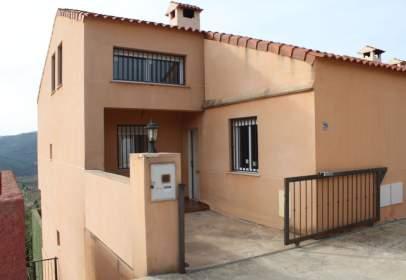 Casa pareada en calle 1, nº 50
