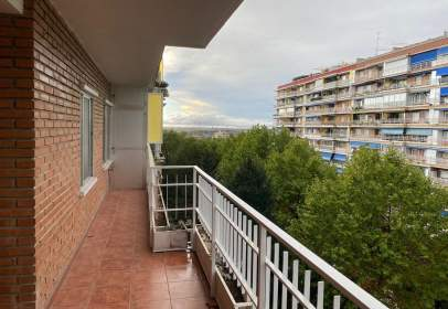 Apartamento en calle Salvador Dalí