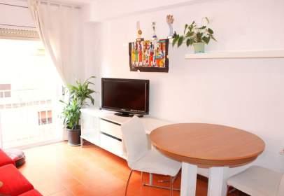 Apartament a Carrer de Móra d'Ebre, prop de Carrer de l' Aldea