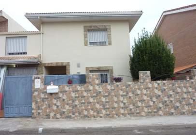 House in Villanueva de la Torre