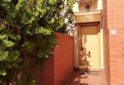 Casa adosada en Avenida de los Jeróninos, nº 61