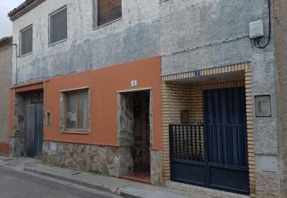 Casa pareada en calle Barrio Nuevo