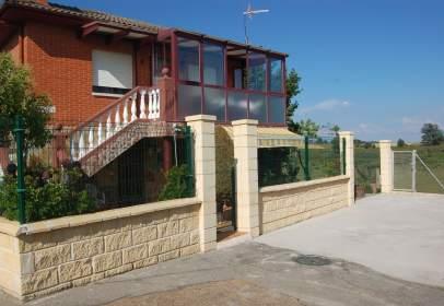 Casa en Carretera Asturias